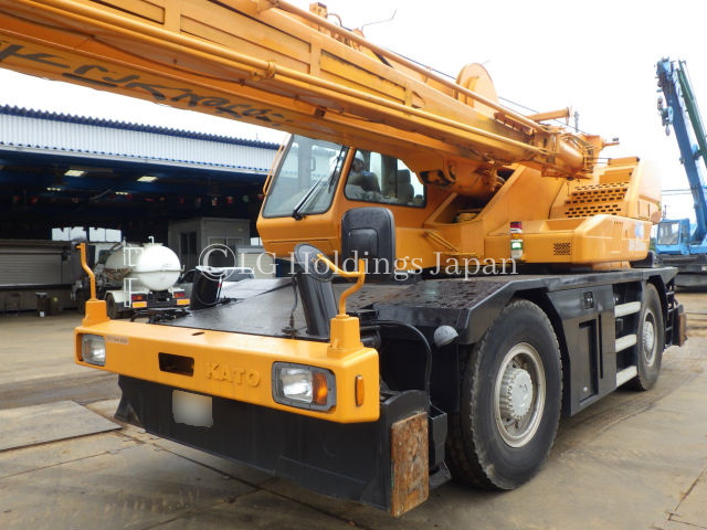 2002 Kato Rough Terrain Crane ***